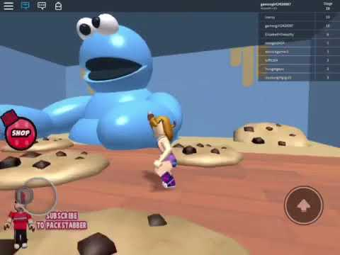 IS THAT A GIANT COOKIE MONSTER? Escape Toys R Us Obby