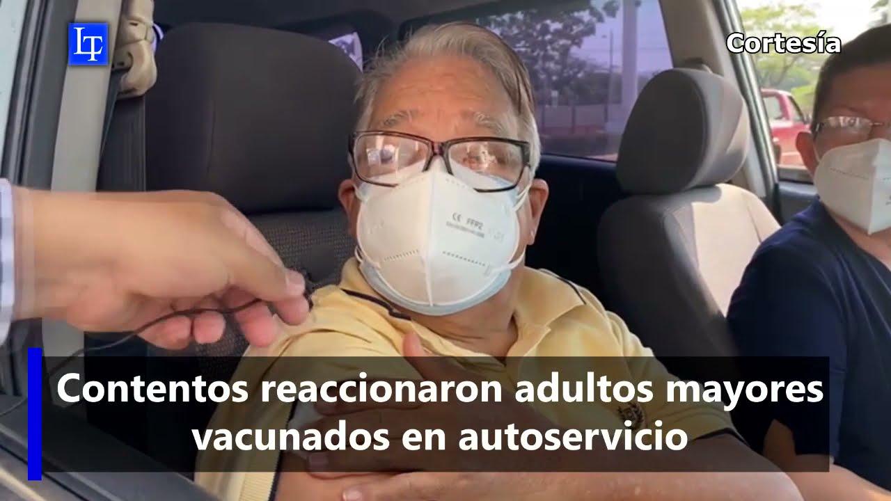 Contentos reaccionaron adultos mayores vacunados en autoservicio
