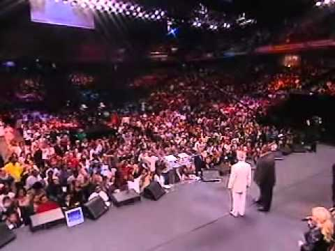 Benny Hinn Philadelphia Miracle Crusade, Aug. 6, 2010 ENTIRE Friday Evening Service