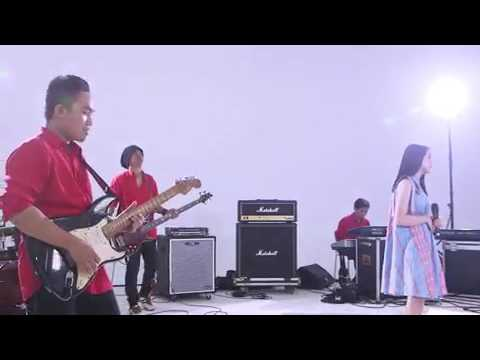 Free Download Lesti D'academy - Luka Diatas Luka Mp3 dan Mp4