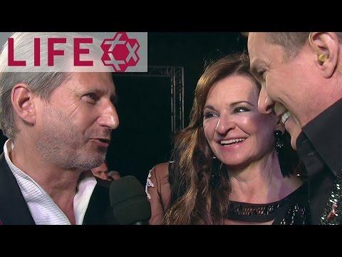 Johannes Hahn & Susanne Riess auf dem Life Ball 2017 | Magenta Carpet