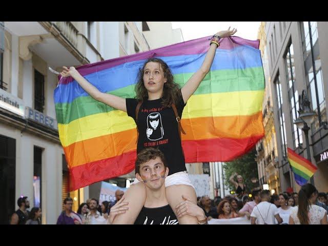 La I Marcha por la Diversidad llena de música y reivindicación las calles cordobesas