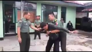 Inilah kehebatan TNI menggunakan tenaga dalam