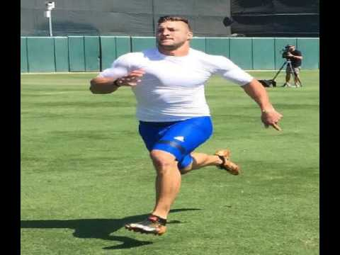 Tim Tebow Displays Power, Earns Mixed Scouting Reviews At MLB Workout