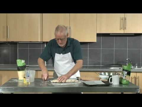 How to Make Chelsea Buns - Sustainable Somerset