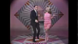 Frank Sinatra & Nancy Sinatra - Downtown official clip