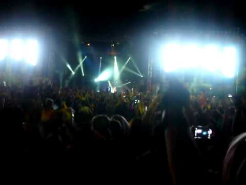 The Bloody Beetroots Stereosonics Adelaide 09- 1,2 Woop Woop!!!!