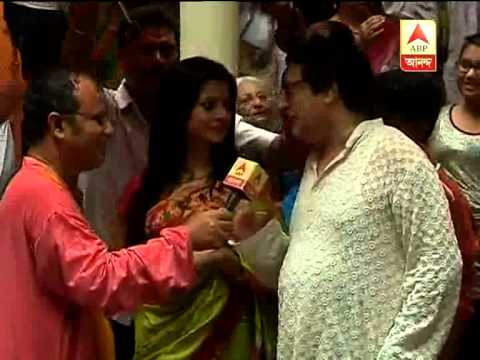 Koyel and Ranjit Mallick enjoy Durga pujo during Ashtomi