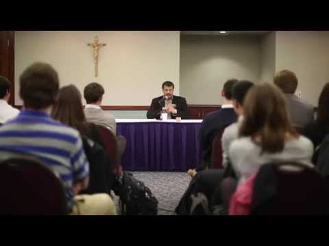 College of the Holy Cross Students Meet With Neil deGrasse Tyson in Exclusive Seminar