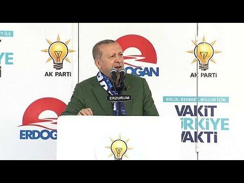 """Erdogan: """"váltsátok át lírára dollárban, euróban tartott pénzeteket"""""""