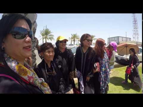 girls photo at bahrain bridge