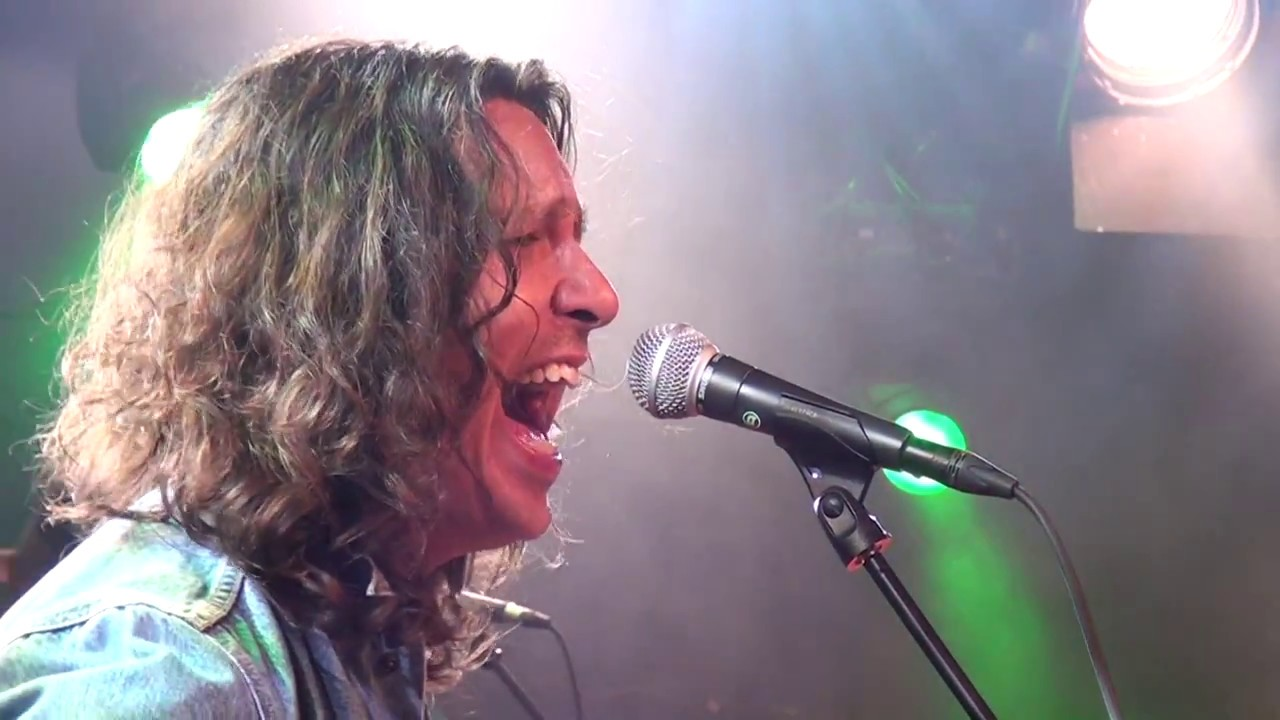 """Davy Knowles - """"Almost Cut My Hair"""" @ Moulin Blues 10 Chords"""