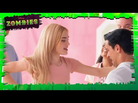 Zombies - Fired Up | Disney Channel Italia