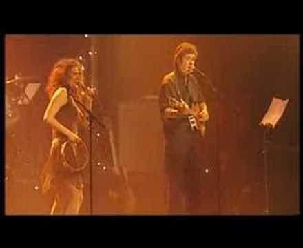 ELSA LUNGHINI - CHAQUE JOUR EST UN LONG CHEMIN (Live)