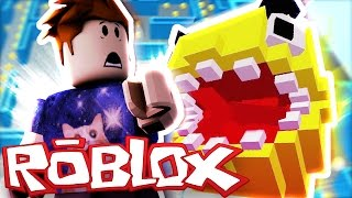 ROBLOX | ESCAPING FROM PACMAN!!