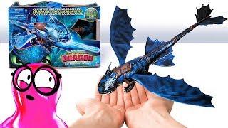 Abra a Caixa Conosco / Como Treinar o Seu Dragão: Os Brinquedos do Mundo Oculto