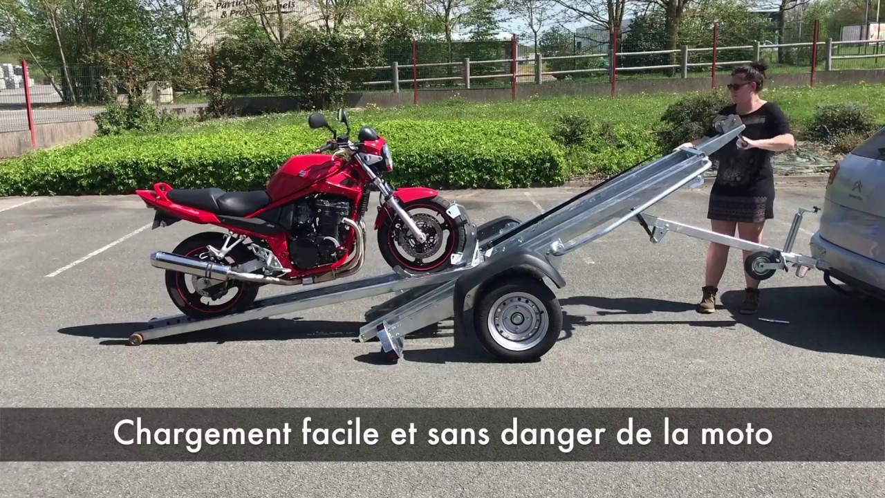 remorque porte moto 499kg carrosserie de la france youtube. Black Bedroom Furniture Sets. Home Design Ideas