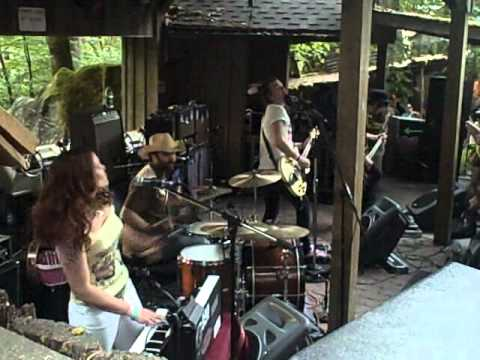 The Dandy Warhols @ Enchanted Forest - Lou Weed