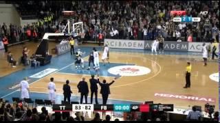 Bogdan Bogdanovic'in son saniye basketi. // 04.04.2016 // Fenerbahçe - Türk Telekom - Bogdan Bogdanovic'in son saniye basketi. // 04.04.2016 // Fenerbahçe - Türk Telekom twitter.com/tsouzely.
