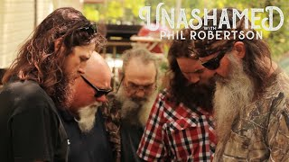 Phil's Secret Bunker, the Duck Dynasty Prayer That Didn't Make the Cut & Jase's Jelly Issue | Ep 90