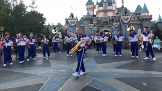 LIVE - First Day - Disneyland Resort All-American College Band 2018 - Castle Set