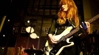Dum Dum Girls - Bedroom Eyes (Live on KEXP)