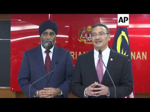 Canadian defence minister visits Malysia