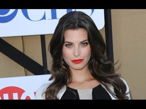 Actress Meghan Ory Promises That Red Riding Hood Will Make Her Once Upon a Time Comeback in Season 3