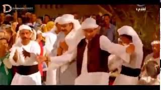 فيديو كوميدى على مهرجان قعدالو على السلم ليه غناء فريق صاب واى توينز مسخره السنين