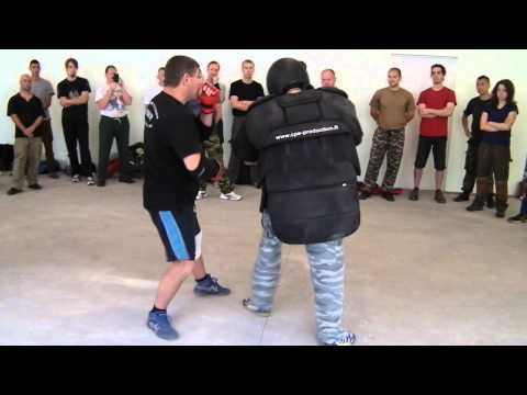 Application of striking in the Russian Martial Art IZVOR