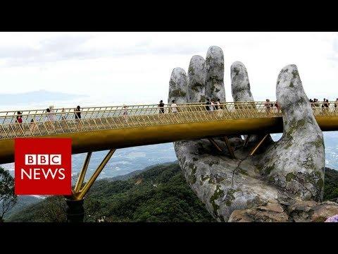Vietnam bridge: Walking through a god's hands - BBC News
