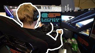 Izmēģinājām autosporta simulatoru. Vāks nepilnā minūtē!