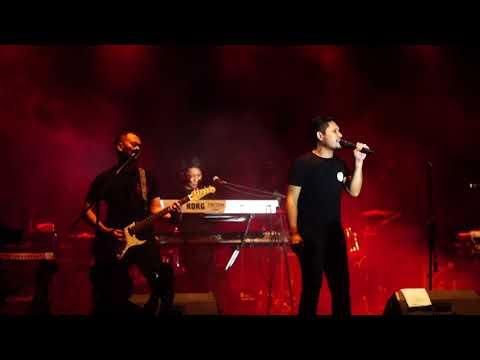 Andra and The Backbone Ditelan Bumi - Mecnesia Fest 2018
