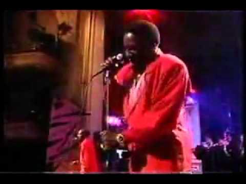 The O'Jays - Love Train (Live)