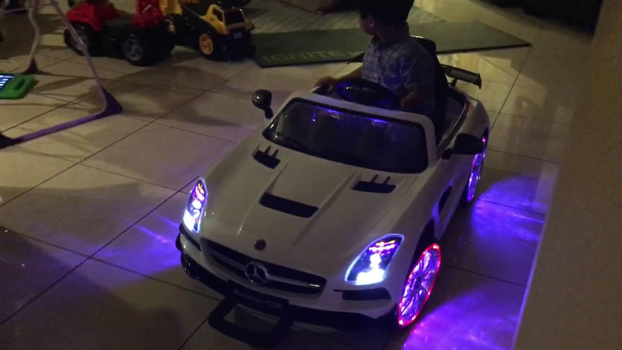 Mercedes SLS AMG White Remote Control Ride On Car