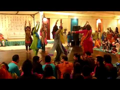 Mohib's Mehndi Dance  Bibi Sheerini Dec 30th 2009