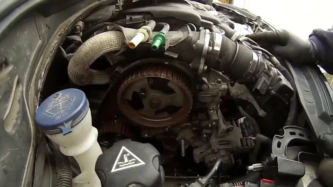 changer courroie de distribution Peugeot 208