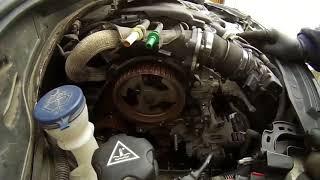 Comment remplacer une courroie distribution moteur Peugeot/citroen 1.6 HDI