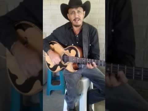 Mauro Rentería cantante