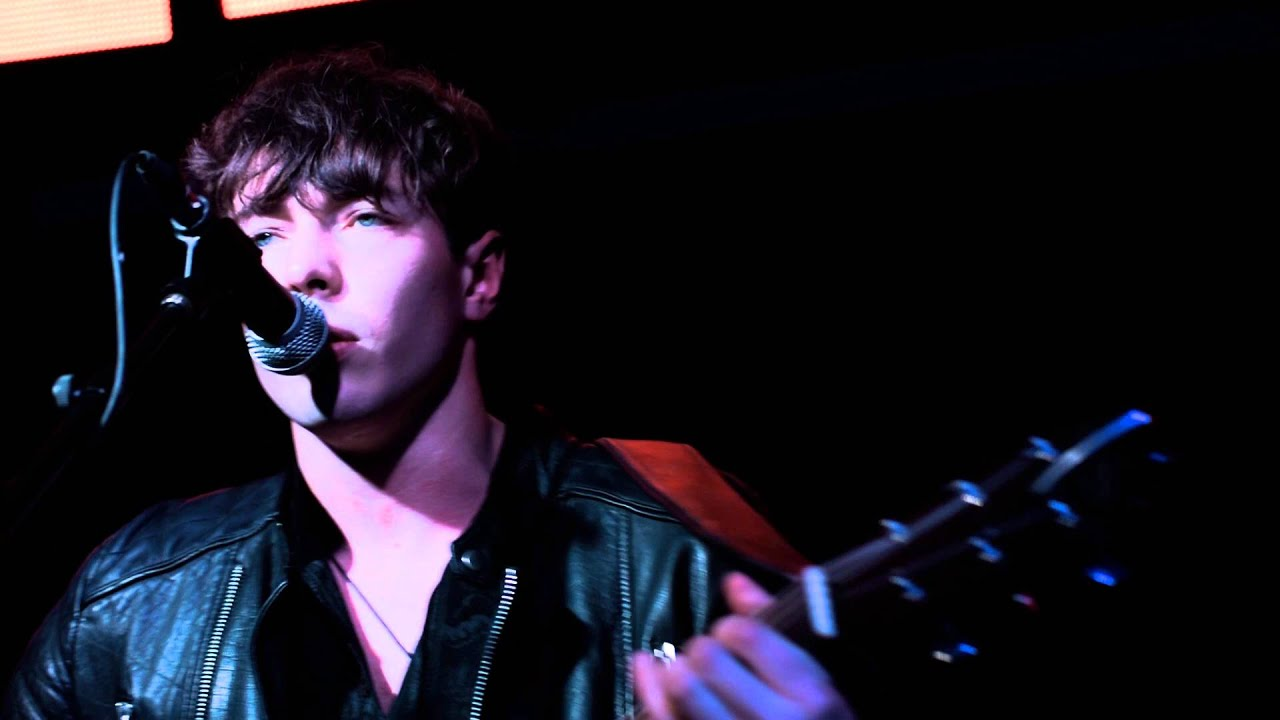 Barns Courtney - Glitter And Gold [Official Audio] - YouTube