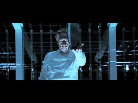 X-Men 2 - Magneto breaks the plastic jail
