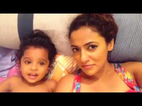 Udari Warnakulasooriya and Her Little Daughter