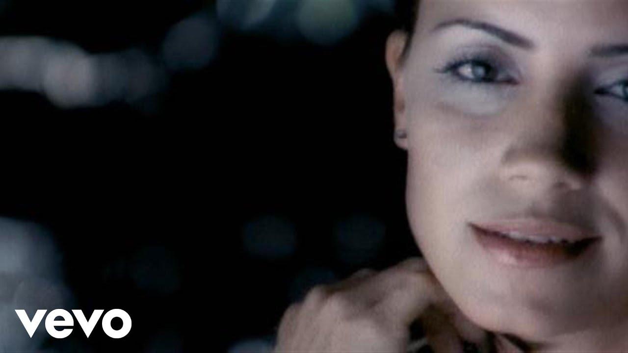 Melina Leon  Ba o De Luna Pop Version  YouTube