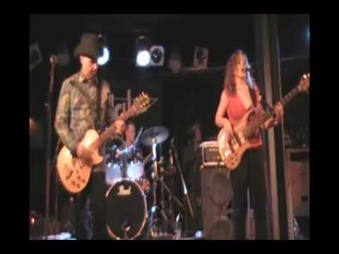 Too Slim & the Taildraggers -