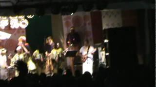 Claudya Costta e Portela(açúcar) Cantam Vamo Comer de Caetano Veloso.