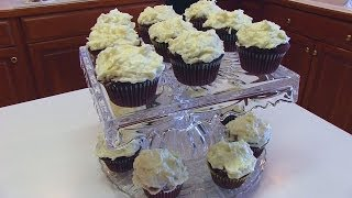 Betty's Coconut Cream Cheese Frosting For Red Velvet Cupcakes
