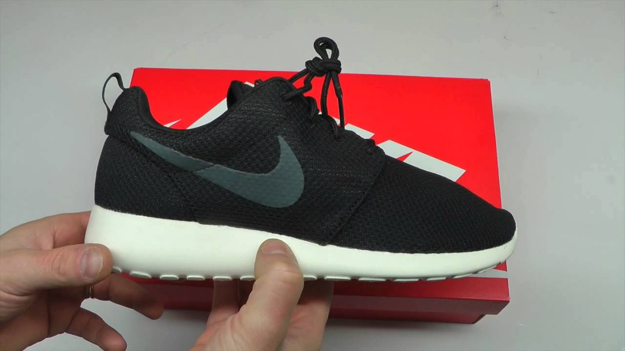 913f21b88a Nike Roshe Run Red Sail Size 10