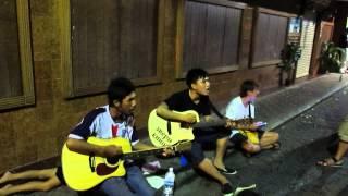 Тайские гитаристы Паттайя уолкин стрит сектор газа пора домой