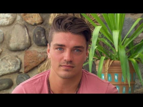 'Bachelor in Paradise': Dean Unglert Flirts With Two Women, Is He 'Bachelor' Material?