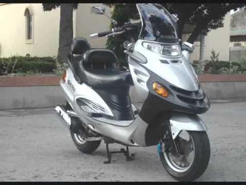 SER MOTO vinde Kymco Dink 150